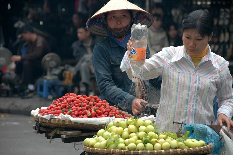 Improvised Sprinkler - Hanoi, Vietnam