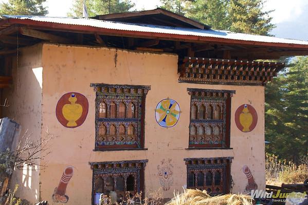 Bhutanese house with phallic symbol