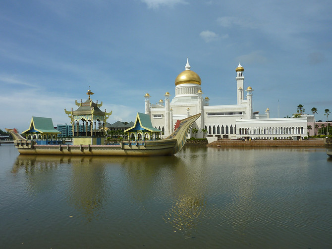 Omar Ali Saifuddin Mosque, Bandar Seri Begawan - Brunei