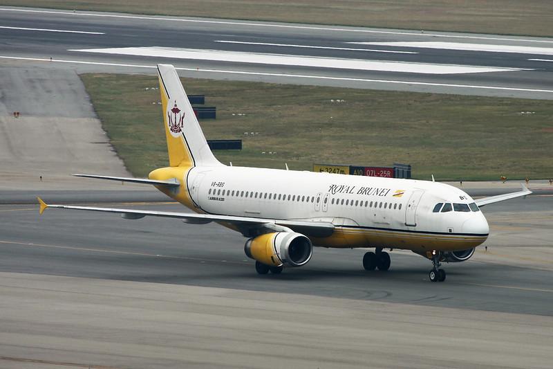 "V8-RBS Airbus A320-232 ""Royal Brunei Airlines"" c/n 2135 Hong Kong-Chek Lap Kok/HKG 20-11-12"
