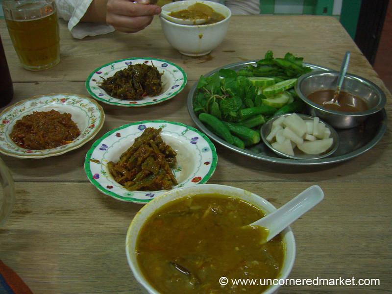 Burmese Food, Vegetarian Burmese Curry - Meiktila, Burma