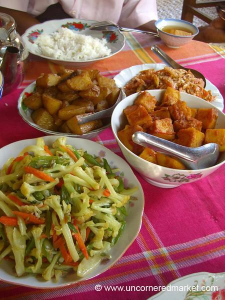 Burmese Food, Vegetarian Feast - Bagan, Burma