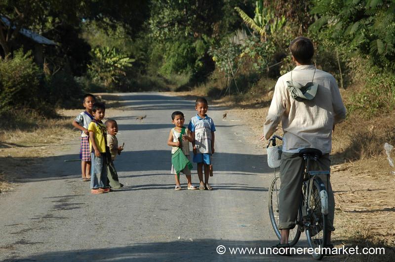Kids on the Road - Inle Lake, Burma