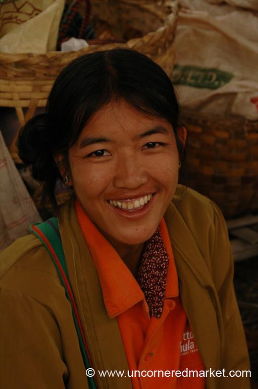 Burmese Vendor, Nam Pan Market - Inle Lake, Burma