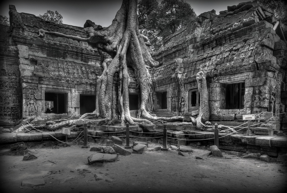 http://travelphotos.everything-everywhere.com/Asia/Cambodia/Angkor/i-3bTTcrq/0/1000x1000/29882211891824b39337o-1000x1000.jpg