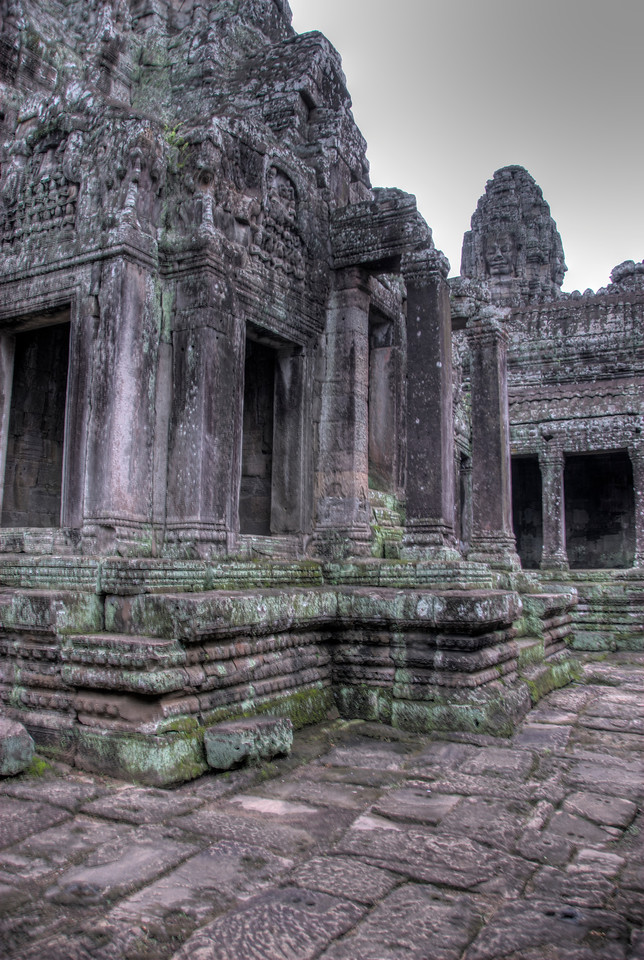 Dilapidated structure inside the Bayon Temple