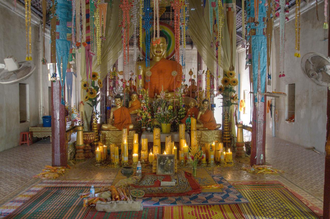 Big Buddha statue at Wat Atewa Monestary