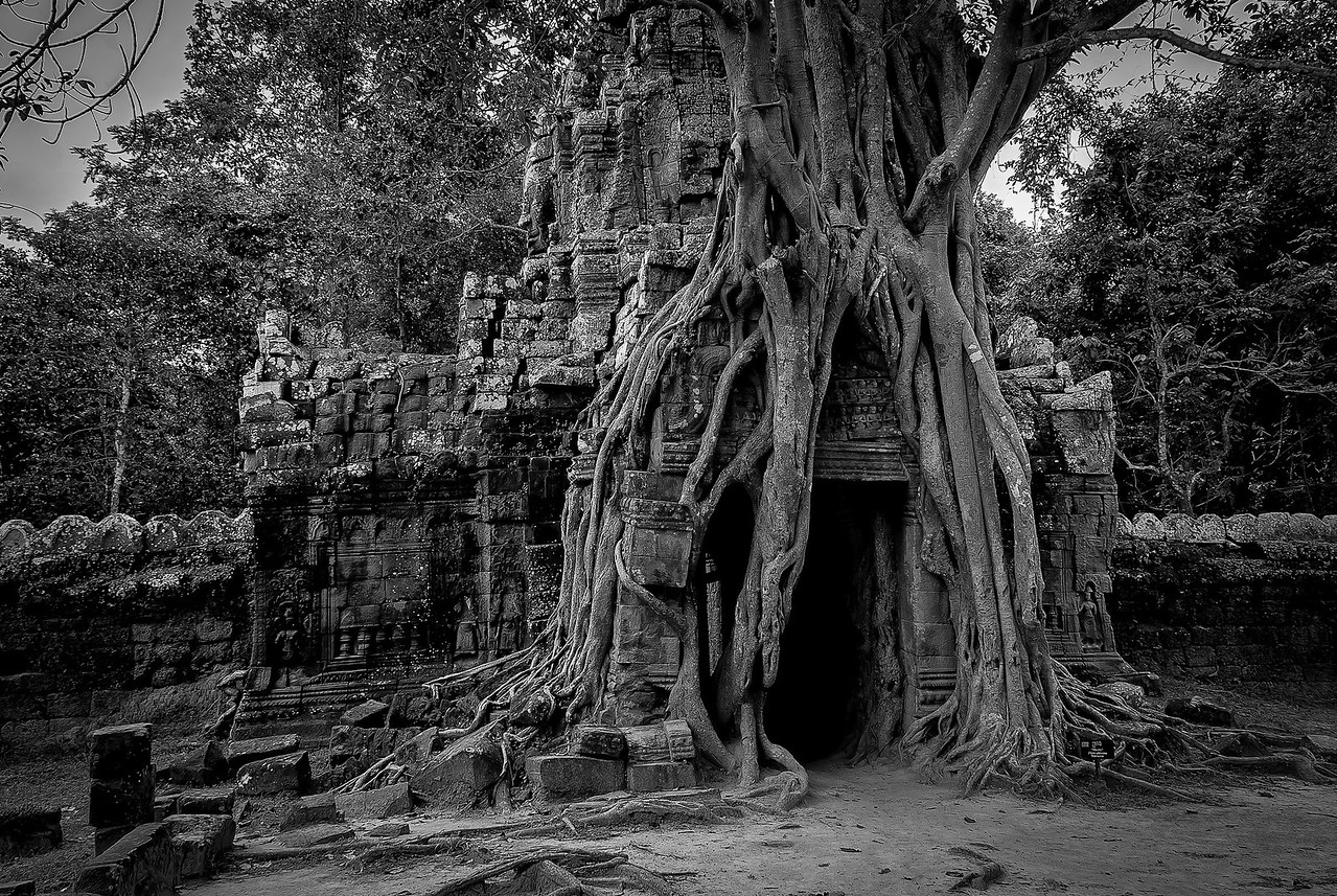 B&W shot of doorway at the back of Ta Som
