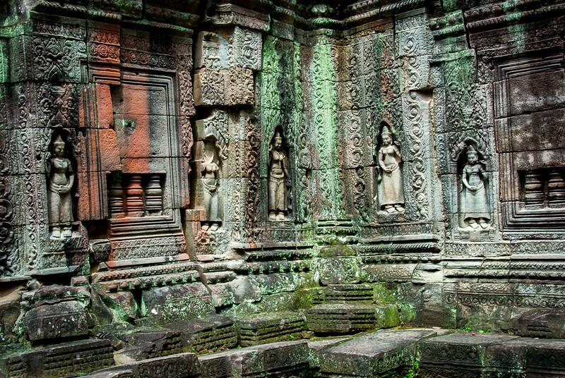 Beautiful carving and art at Bayon Temple