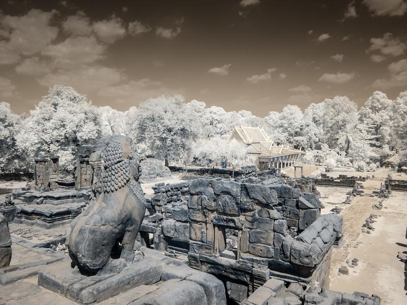 Looking toward the new Prasat Bakong from the Bakong Temple.