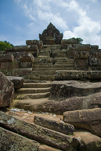 Stairway leading to the Middle Ruins in Preah Vihear Temple
