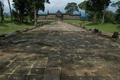Path in front of the Middle Ruins in Preah Vihear Temple