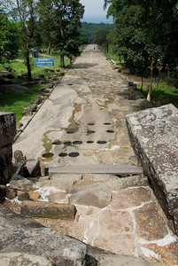Long path from Middle Ruins in Preah Vihear Temple