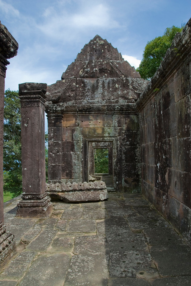 Shot inside a wing in Middle Ruins of Preah Vihear Temple