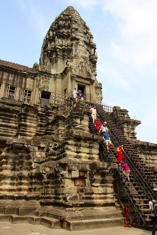 Angkor Wat - Siem Reap - Intrepid Travel Cambodia - Review: Cambodian Traveler