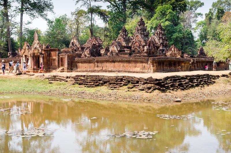 Banteay Srei and moat.