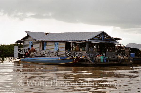 Tonle Sap Lake - Vietnamese Floating Village - House Boat 2