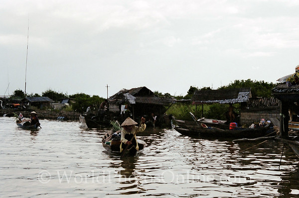 Tonle Sap Lake - Vietnamese Floating Village - Boats