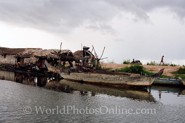 Tonle Sap Lake - Vietnamese Floating Village - House Boat 5