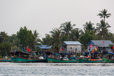 Kampot  River - fishing village