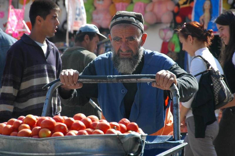 Tomato Cart at Shah Mansur Bazaar - Dushanbe, Tajikistan