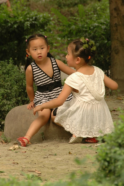 Chinese Sisters - Chengdu, China