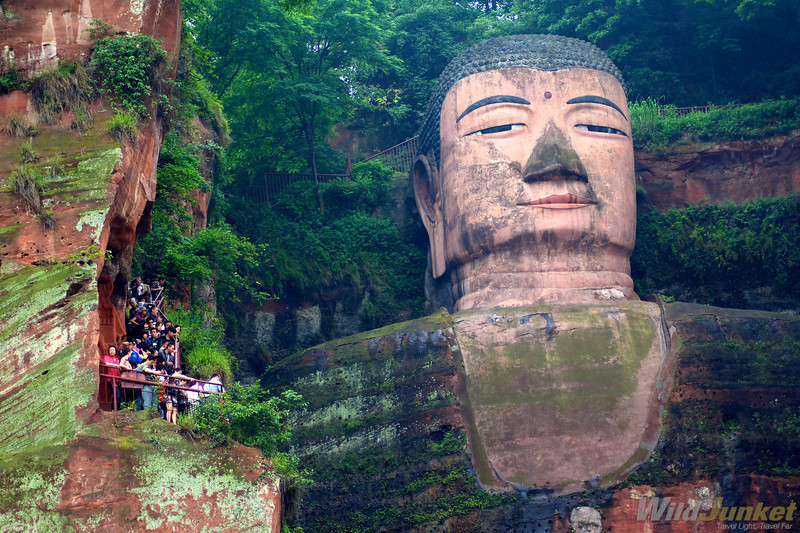 Buddha and pilgrims