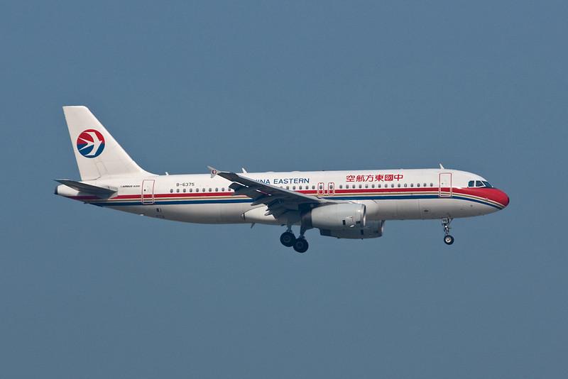 B-6375 Airbus A320-232 c/n 3677 Hong Kong/VHHH/HKG 20-11-10