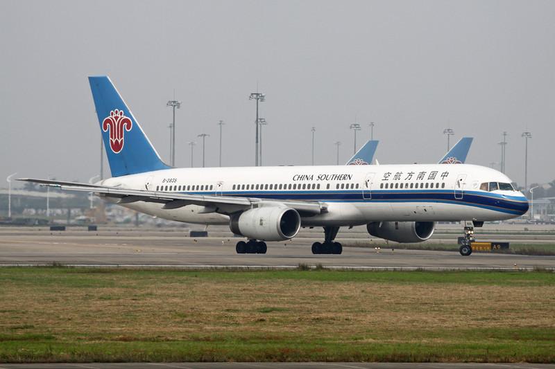 B-2835 Boeing 757-236 c/n 25598 Guangzhou/ZGGG/CAN 15-11-12