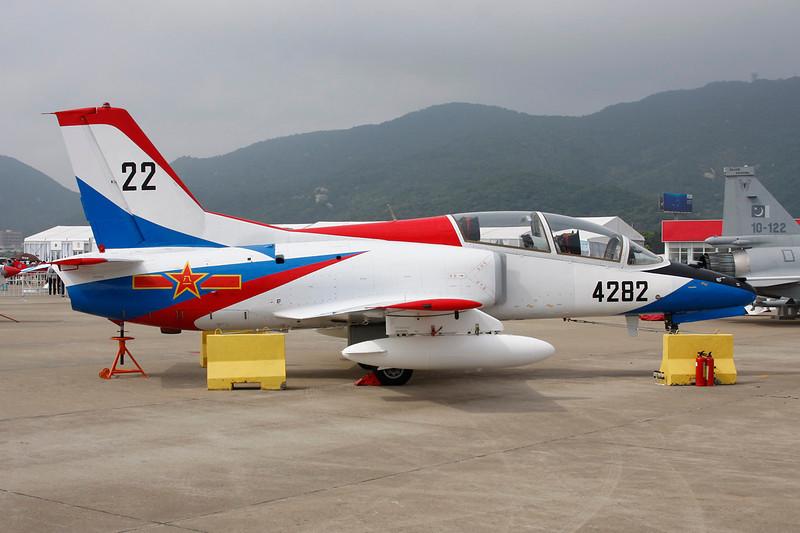 4282 (22) Hongdu JL-8 c/n 0332015 Zhuhai/ZGSD/ZUH 16-11-12