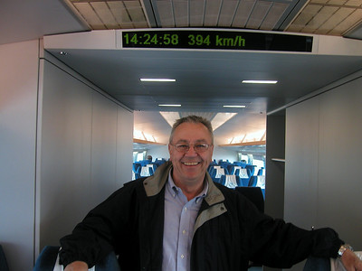 Still accelerating at 394km/h (244mph), finally sitting at 430 km/h (267mph), . March 2004