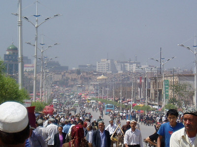 road from town to sunday markets, kashgar