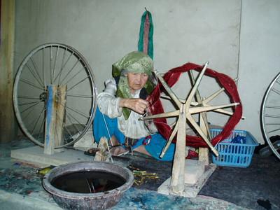 silk spinning, hotan