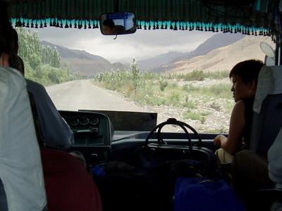 bus from kashgar to karakul