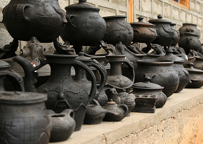 The region is very famous for it's black pottery.