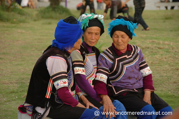 Chatting Hani Women - Yunnan, China