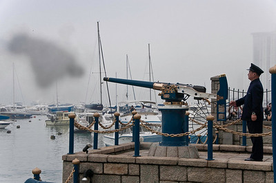 Firing the Noon Day Gun, Hong Kong