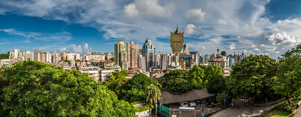 Stunning colorful panorama shot from Fortaleza Do Monte.