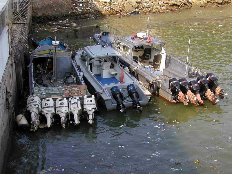 Police boats,  how many motors do you really need? - Shekou  Shenzhen China  Aug 2002,