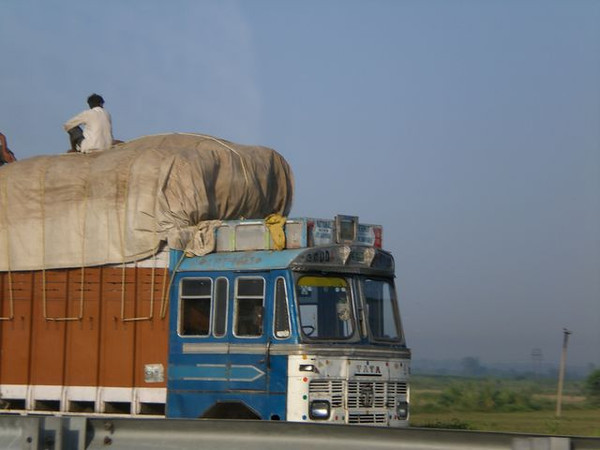 truck in agra india