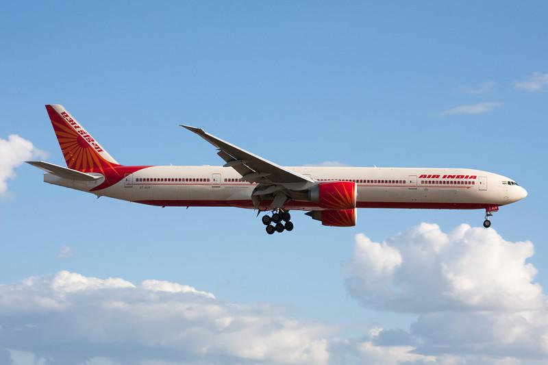 VT-ALN Boeing 777-337ER c/n 36312 Heathrow/EGLL/LHR 17-07-10