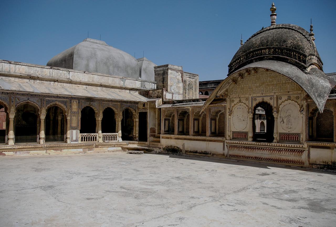 Karoli Palace