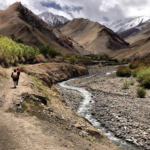 Our trek begins. Storms build for more white caps. Markha Valley trek trail head, Zingchen. #Ladakh