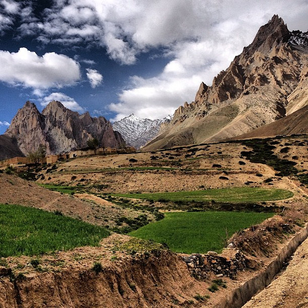 Why subject yourself to a 2-day ride through Kashmir on a crumbling bus? Simple: views like this one.
