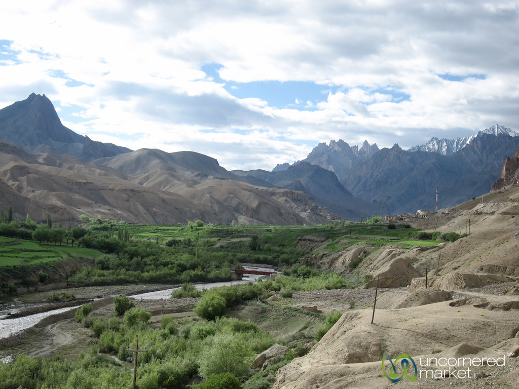 Mountain Views, Kashmir to Ladakh by Bus - India