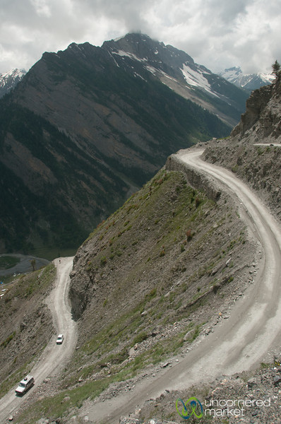 Mountain Roads in Kashmir, No Guard Rails - Srinagar to Leh, India