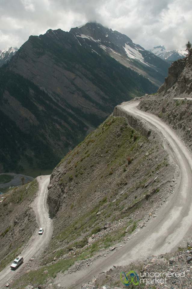Mountain Roads in Kashmir, No Guard Rails - Srinagar to Leh, India