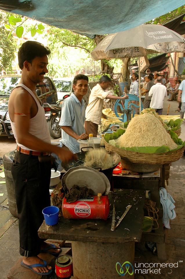 Stir Fry Chow Mein on the Streets of Kolkata, India