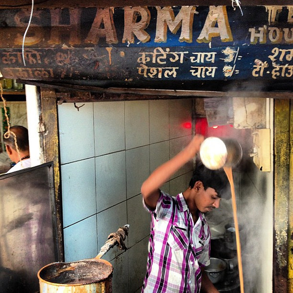 Chai wallah theatrics, just a few of my favorite facets of Indian street life. This is Khar, Mumbai