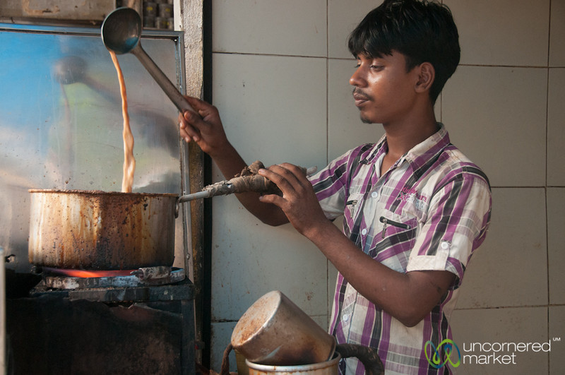Chaiwala at Khar Station, Mumbai